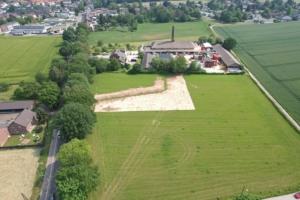 Luchtfoto van het terrein.